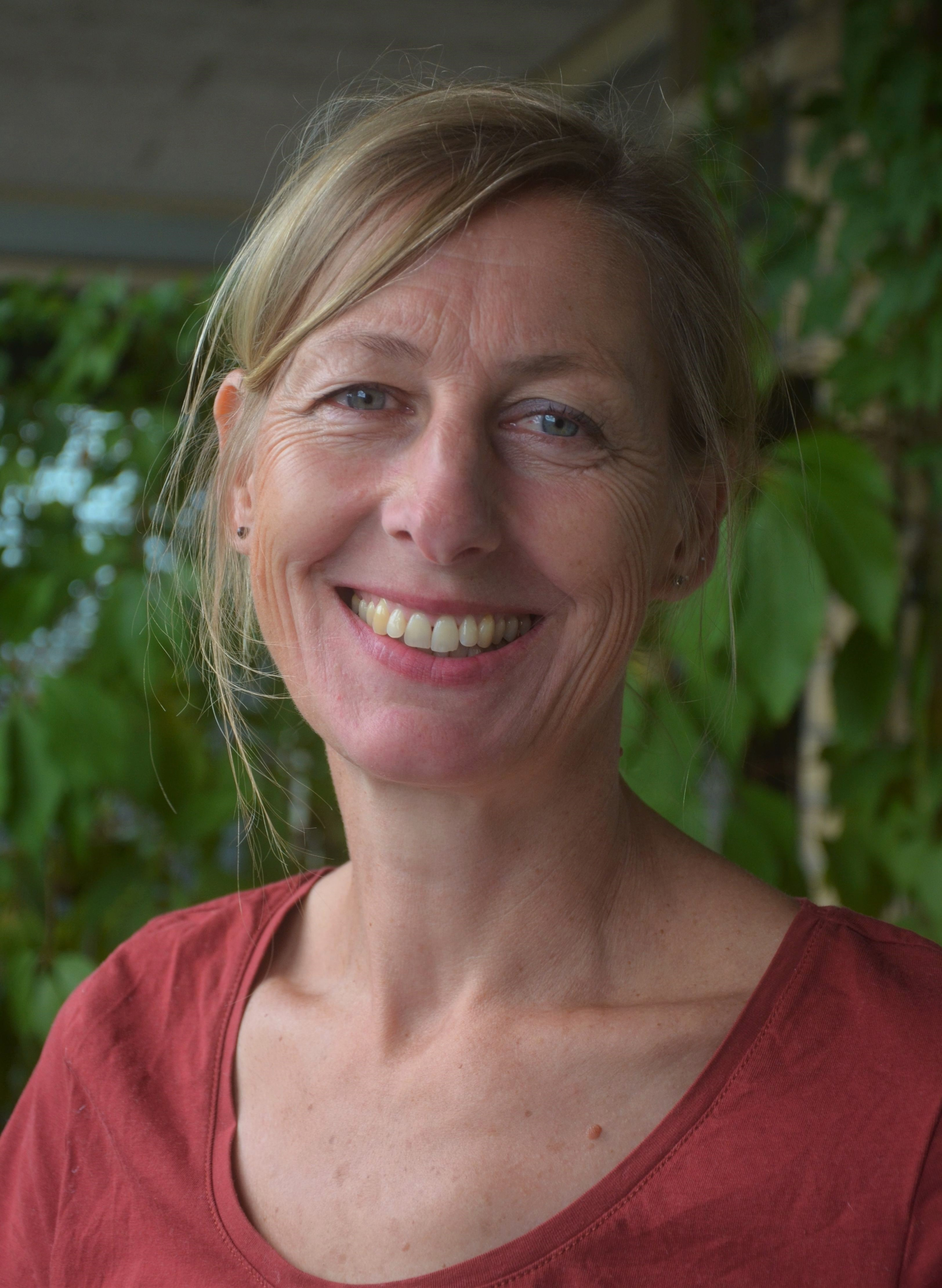 Katrin Beise is gediplomeerd euritmietherapeute